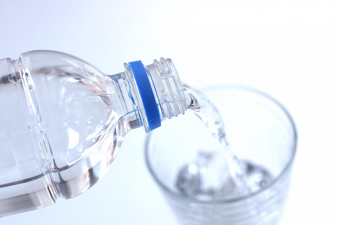 水素の力でアンチエイジング!ダイエット!効果がないと言われているけど…水素水って本当にいいの?