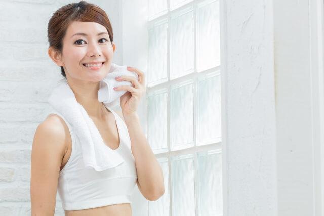 プロテインを飲むと筋肉痛にならない?栄養素やカロリーも調べてみた